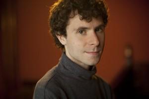Il compositore statunitense Matthew Aucoin.
